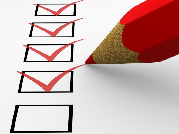 留意保险计划的保障范围及条款细则,以免意外发生时失去预算。
